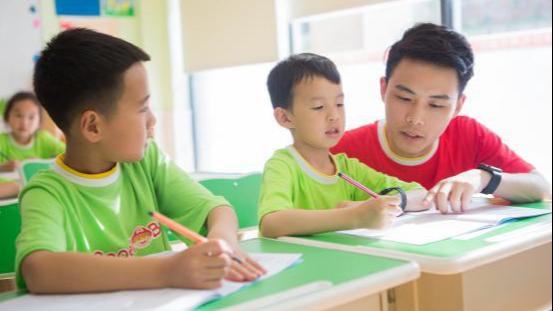 【长江网报道】全能双师大大提高托管老师备课效率
