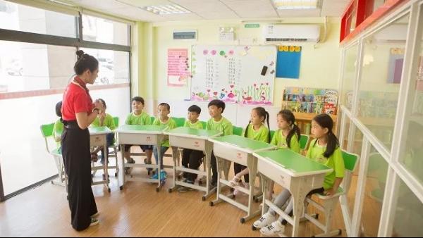 """托管班老师做好三件事,""""小保姆""""变身全能老师"""